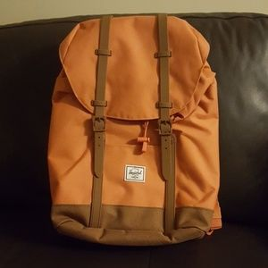 Herschel Supply Co. RETREAT mid apricot brown nwt